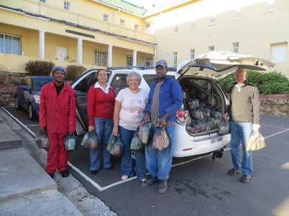 Food parcel deliver - Thomas Rondebosch